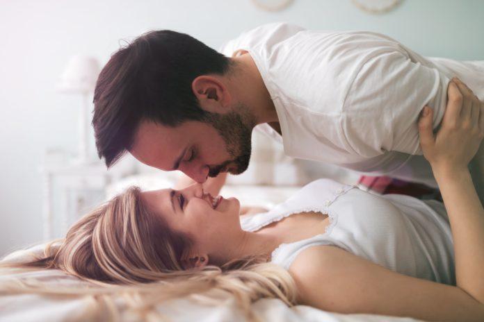 Sexo-ce-sex-toy-a-utiliser-a-deux-promet-un-orgasme-egalitaire