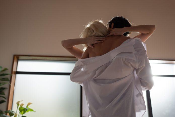 Sexo-voici-les-9-meilleures-positions-sexuelles-pour-vous-aider-a-mieux-dormir